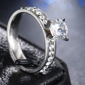 Jewelry - Lovely Ring